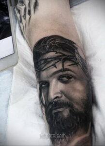 Фото Тату с Иисусом Христом 11.01.2021 №10133 -jesus tattoo- tatufoto.com