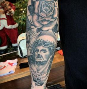 Фото Тату с Иисусом Христом 11.01.2021 №10149 -jesus tattoo- tatufoto.com