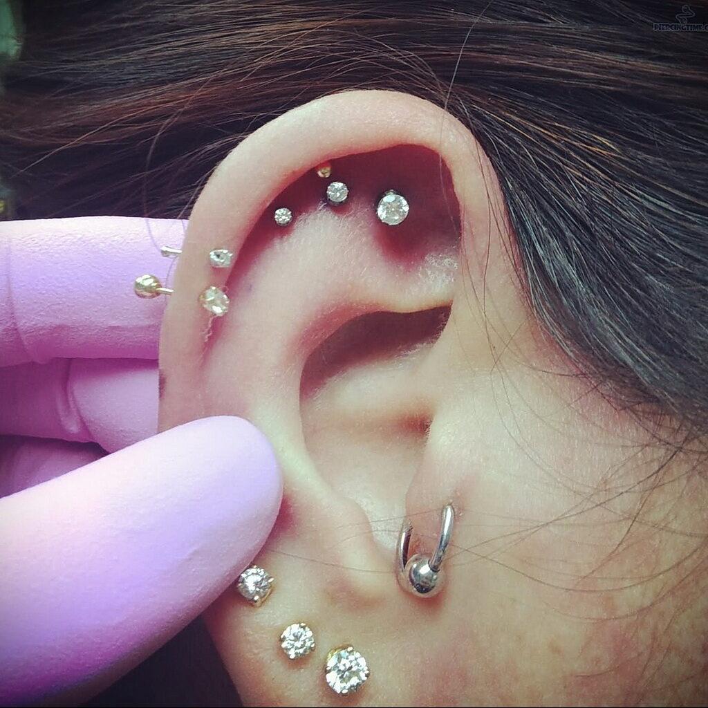 Фото Хрящевой пирсинг 29.01.2021 №0447 - Cartilage piercing - tatufoto.com