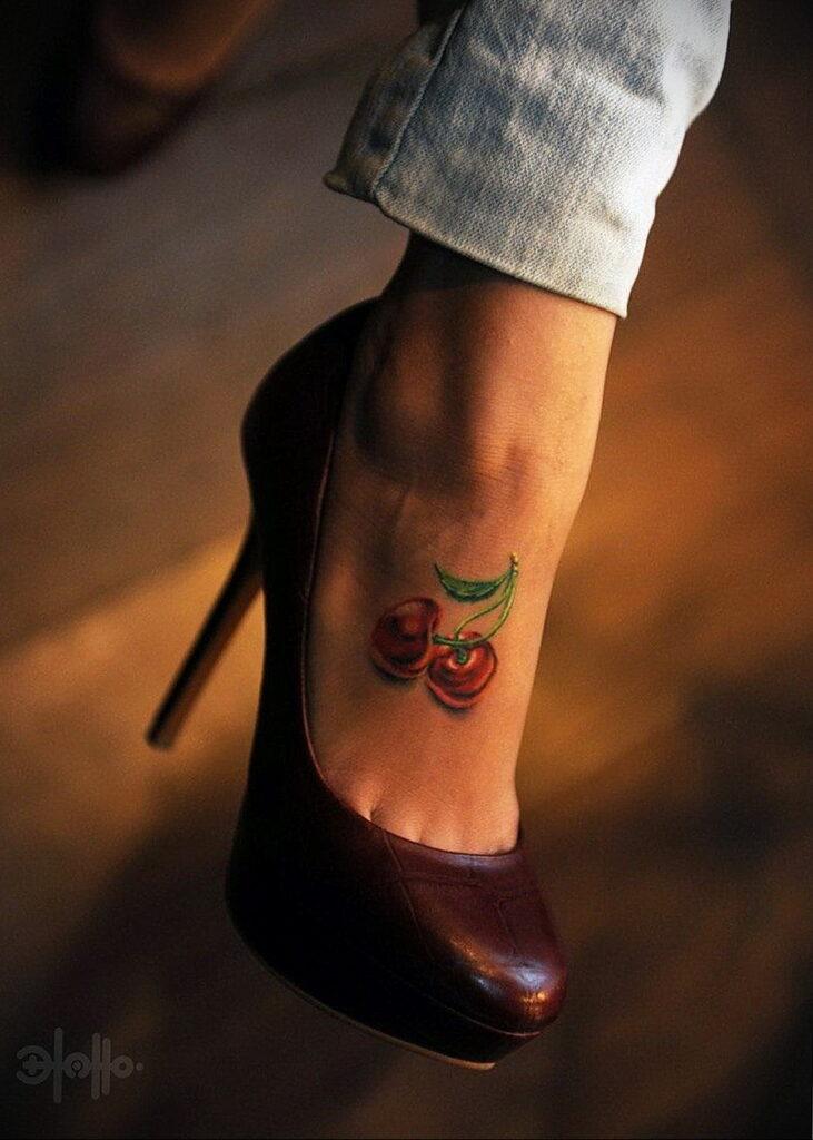Фото тату вишня 07.01.2021 №1082 -cherry tattoo- tatufoto.com