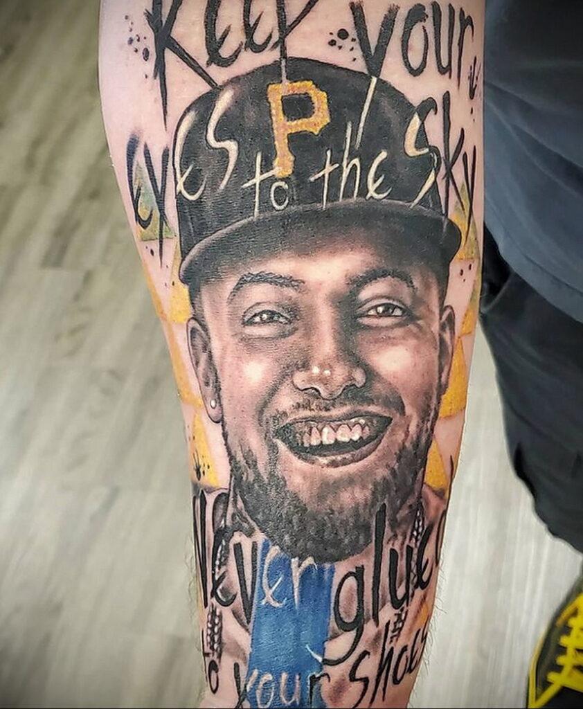 Фото тату портрет Мак Миллера 20.01.2021 №0060 - Mac Miller tattoo - tatufoto.com