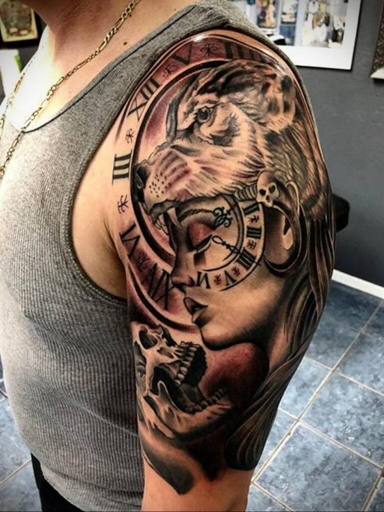 Фото тату часы на плече 19.01.2021 №0010 -clock tattoo on shoulder-tatufoto.com