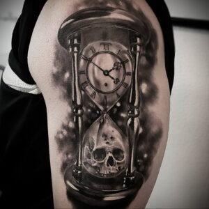 Фото тату часы песочные 19.01.2021 №0174 -hourglass tattoo-tatufoto.com