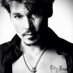 тату Джонни Деппа имя дочери - Johnny Depp's daughter's name tattoo 2