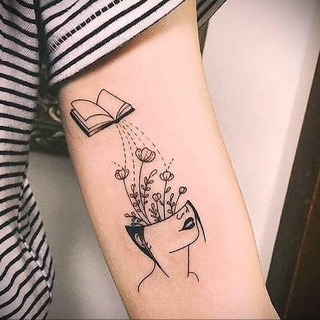 Фото Книги в женской тату 27.02.2021 №007 - Books in a woman's tattoo - tatufoto.com