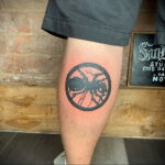 Фото пример рисунка татуировки с муравьем 21.03.2021 №147 - ant tattoo - tatufoto.com