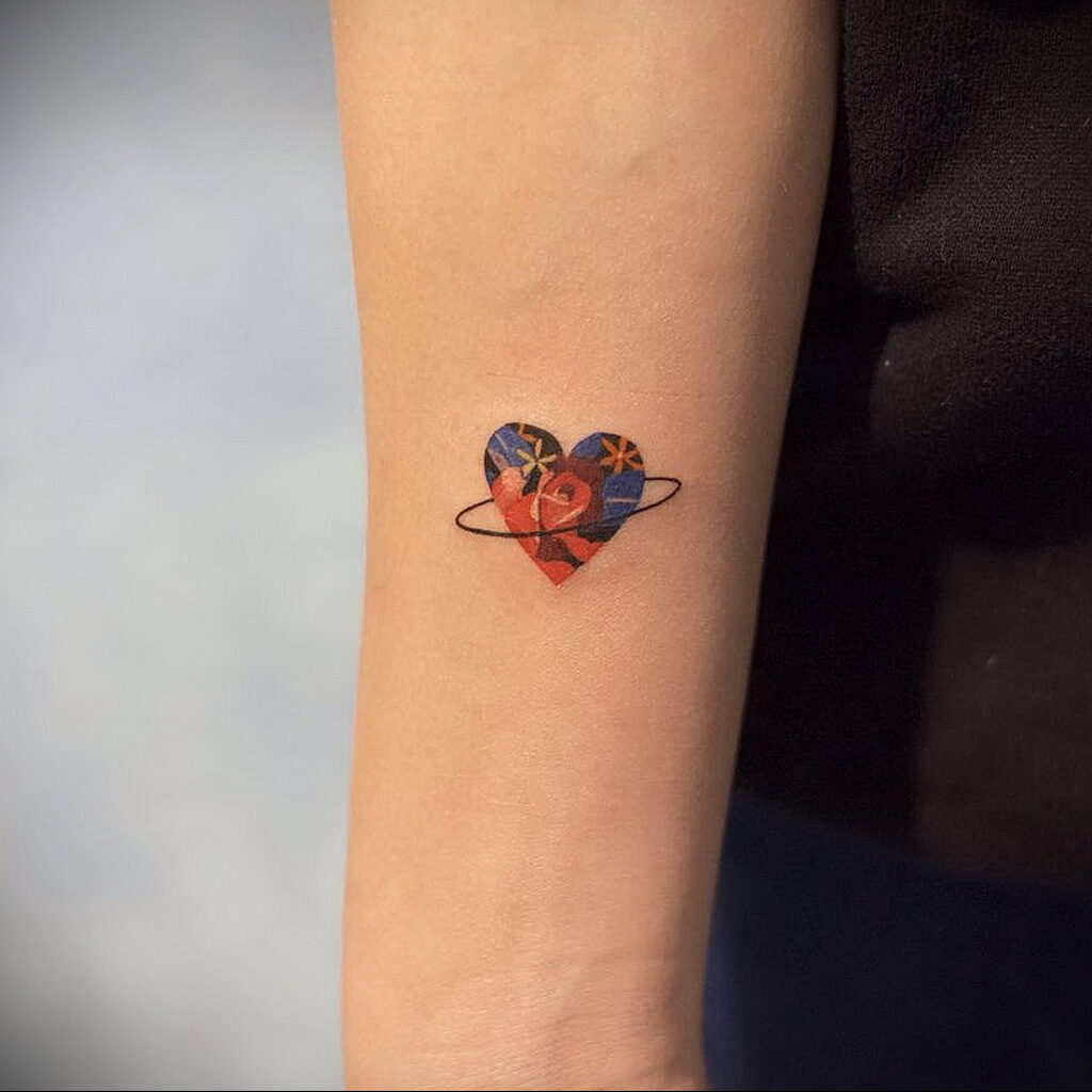 Фото рисунок тату маленькое сердце 09.02.2021 №0061 - heart tattoo small - tatufoto.com