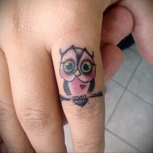 маленькая тату с совой на фото 15.02.2021 №0003 - little owl tattoo- tatufoto.com