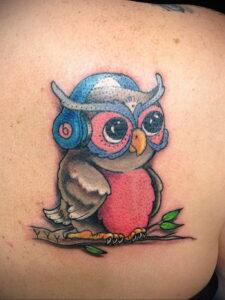 маленькая тату с совой на фото 15.02.2021 №0022 - little owl tattoo- tatufoto.com