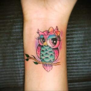 маленькая тату с совой на фото 15.02.2021 №0052 - little owl tattoo- tatufoto.com