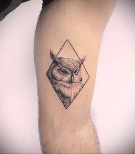 маленькая тату с совой на фото 15.02.2021 №0058 - little owl tattoo- tatufoto.com