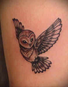 маленькая тату с совой на фото 15.02.2021 №0065 - little owl tattoo- tatufoto.com