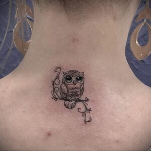 маленькая тату с совой на фото 15.02.2021 №0079 - little owl tattoo- tatufoto.com
