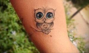маленькая тату с совой на фото 15.02.2021 №0085 - little owl tattoo- tatufoto.com