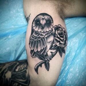 мужской рисунок тату с совой пример 15.02.2021 №0011 - owl tattoo men - tatufoto.com