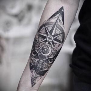 мужской рисунок тату с совой пример 15.02.2021 №0012 - owl tattoo men - tatufoto.com
