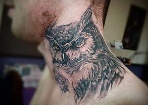 мужской рисунок тату с совой пример 15.02.2021 №0013 - owl tattoo men - tatufoto.com