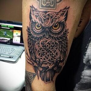 мужской рисунок тату с совой пример 15.02.2021 №0036 - owl tattoo men - tatufoto.com
