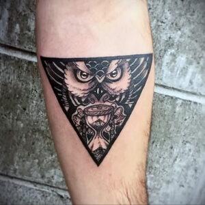 мужской рисунок тату с совой пример 15.02.2021 №0052 - owl tattoo men - tatufoto.com