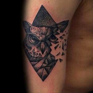мужской рисунок тату с совой пример 15.02.2021 №0064 - owl tattoo men - tatufoto.com
