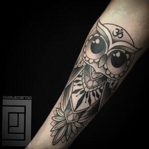 мужской рисунок тату с совой пример 15.02.2021 №0090 - owl tattoo men - tatufoto.com