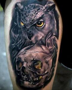 мужской рисунок тату с совой пример 15.02.2021 №0091 - owl tattoo men - tatufoto.com
