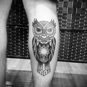 мужской рисунок тату с совой пример 15.02.2021 №0092 - owl tattoo men - tatufoto.com
