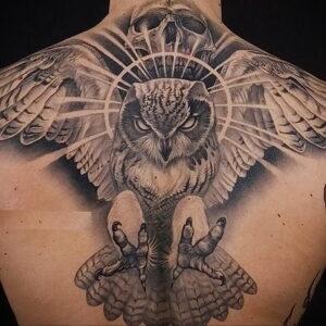 мужской рисунок тату с совой пример 15.02.2021 №0098 - owl tattoo men - tatufoto.com