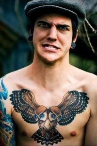 мужской рисунок тату с совой пример 15.02.2021 №0113 - owl tattoo men - tatufoto.com