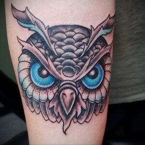 мужской рисунок тату с совой пример 15.02.2021 №0124 - owl tattoo men - tatufoto.com