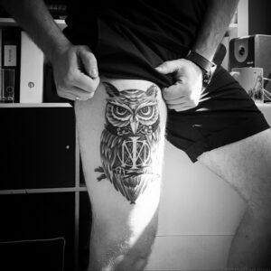 мужской рисунок тату с совой пример 15.02.2021 №0127 - owl tattoo men - tatufoto.com