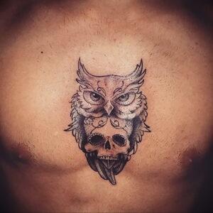 мужской рисунок тату с совой пример 15.02.2021 №0141 - owl tattoo men - tatufoto.com