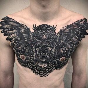 пример рисунка тату сова на груди 15.02.2021 №0003 - owl tattoo on chest - tatufoto.com