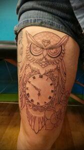пример рисунка тату сова на ноге 15.02.2021 №0002 - owl tattoo on leg - tatufoto.com