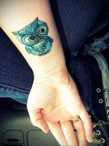 пример рисунка тату сова на руке 15.02.2021 №0030 - owl tattoo on arm - tatufoto.com