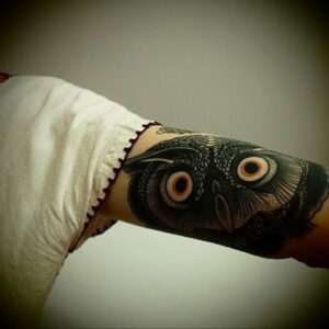 пример рисунка тату сова на руке 15.02.2021 №0050 - owl tattoo on arm - tatufoto.com