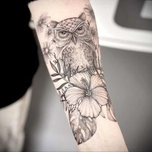 пример рисунка тату сова на руке 15.02.2021 №0060 - owl tattoo on arm - tatufoto.com
