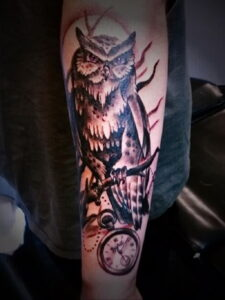 пример рисунка тату сова на руке 15.02.2021 №0063 - owl tattoo on arm - tatufoto.com