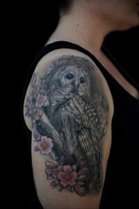 пример рисунка тату сова на руке 15.02.2021 №0079 - owl tattoo on arm - tatufoto.com