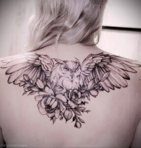 пример рисунка тату сова на спине 15.02.2021 №0007 - owl tattoo on back - tatufoto.com
