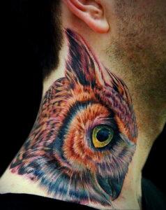 пример рисунка тату сова на шее 15.02.2021 №0003 - owl tattoo on neck - tatufoto.com