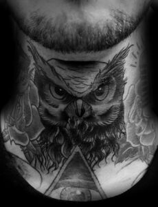 пример рисунка тату сова на шее 15.02.2021 №0007 - owl tattoo on neck - tatufoto.com
