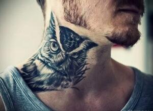 пример рисунка тату сова на шее 15.02.2021 №0010 - owl tattoo on neck - tatufoto.com