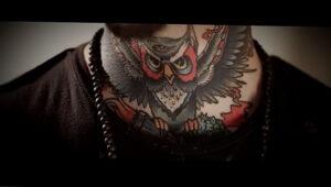 пример рисунка тату сова на шее 15.02.2021 №0015 - owl tattoo on neck - tatufoto.com