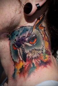 пример рисунка тату сова на шее 15.02.2021 №0024 - owl tattoo on neck - tatufoto.com