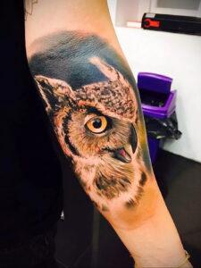 пример рисунка тату сова реализм 15.02.2021 №0015 - owl tattoo realism - tatufoto.com