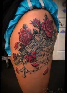 тату револьвер и роза 16.02.2021 №0030 - tattoo rose revolver - tatufoto.com