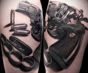 тату револьвер на бедре 16.02.2021 №0007 - revolver tattoo on hip - tatufoto.com