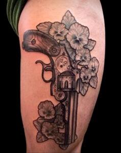 тату револьвер фото пример рисунка 16.02.2021 №0011 - tattoo revolver - tatufoto.com
