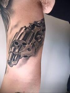 тату револьвер фото пример рисунка 16.02.2021 №0105 - tattoo revolver - tatufoto.com